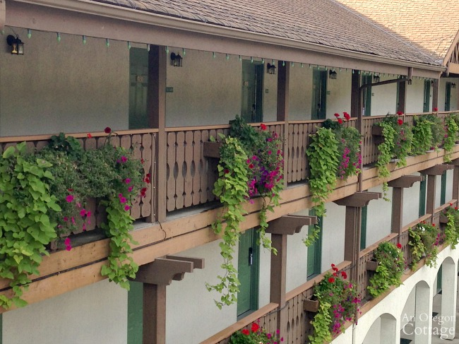 Leavenworth WA flowers-hotel balcony