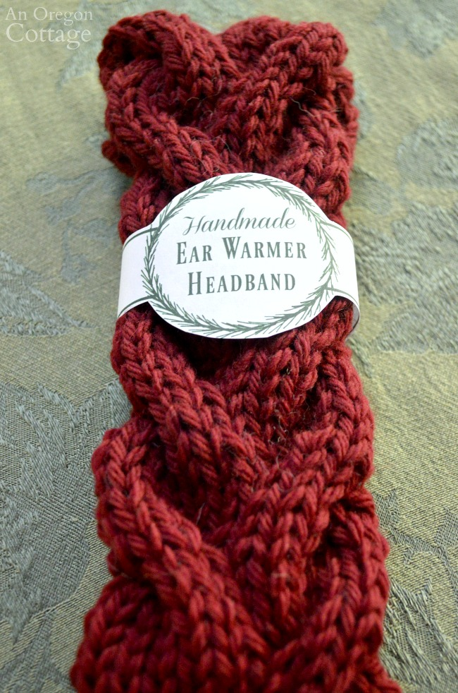 Wreath printable gift labels for knitted ear warmers.