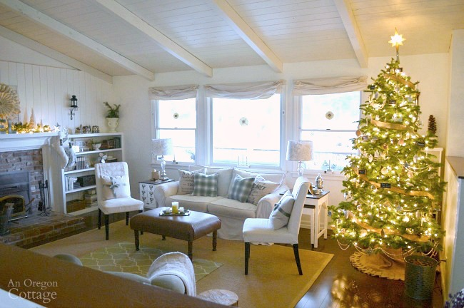 Christmas decor ideas-2015 Christmas tour-tree in living room