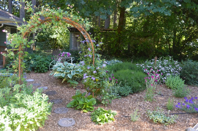 Front cottage garden with arch