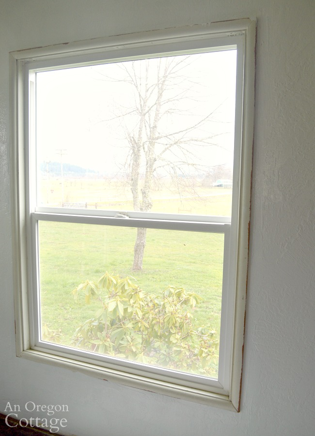 Window trim DIY-window with small molding trim