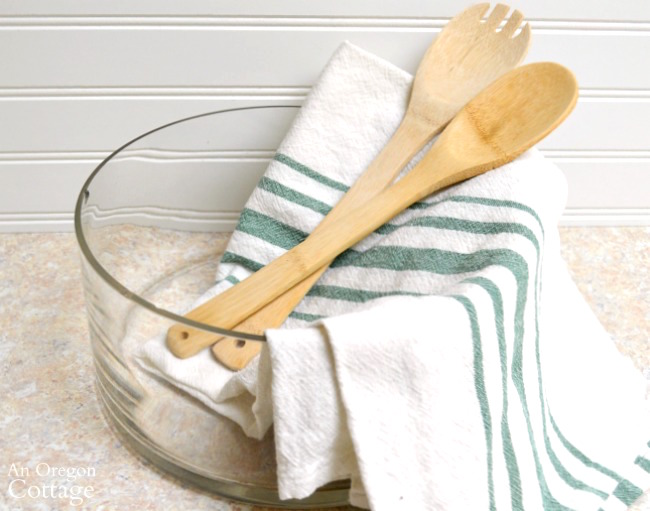 Herb Garden Dressing Gift Basket bowl, towel and spoons