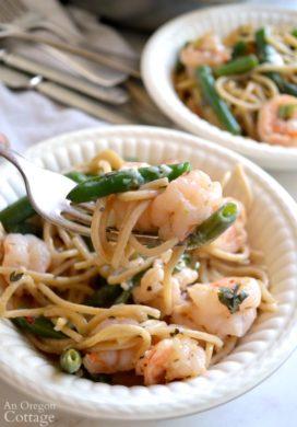 Creamy Garlic Shrimp and Green Bean Pasta on fork