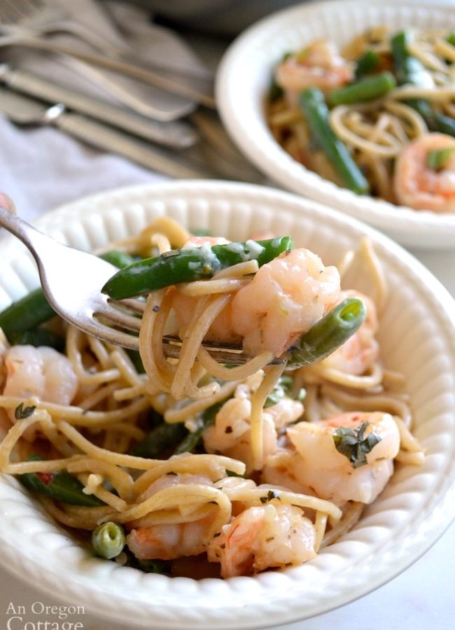 Creamy Garlic Shrimp and Green Bean Pasta on fork
