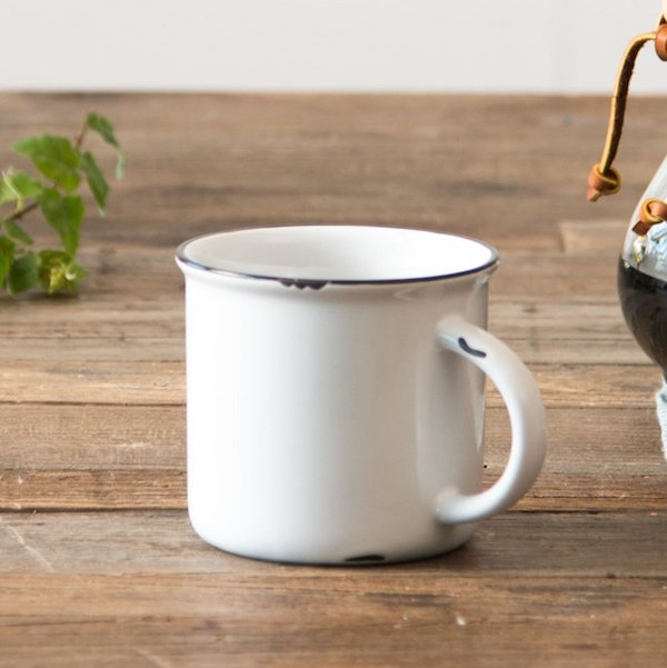 Magnolia_stoneware mug