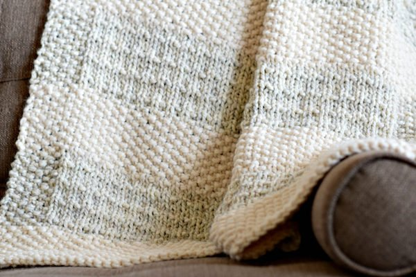Easy-Knitting-Pattern-Blanket-Throw-Mama in a Stitch