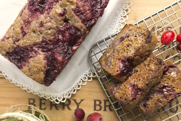 cranberry sauce sticky bread and slices