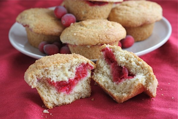 leftover cranberry-sauce-muffins insides