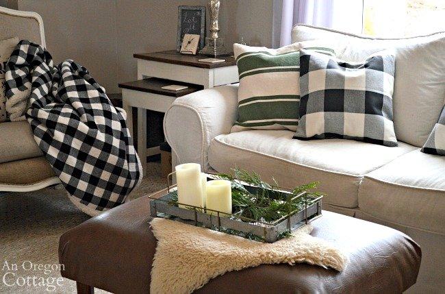 Green-Buffalo plaid Christmas Decor-living room pillows-throw