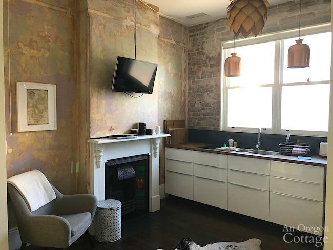 sydney airbnb living room