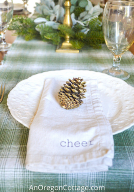 green-white christmas decor_featured