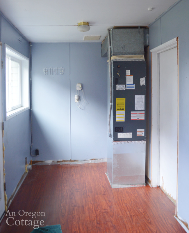 Farmhouse before enclosed porch-right side