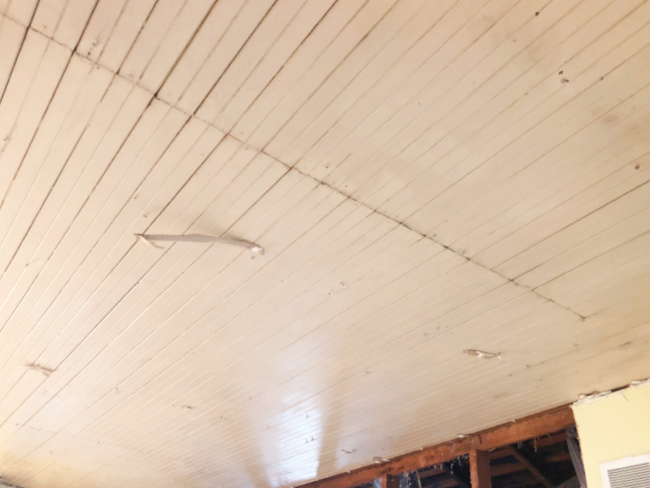original-farmhouse-beadboard-kitchen-ceiling