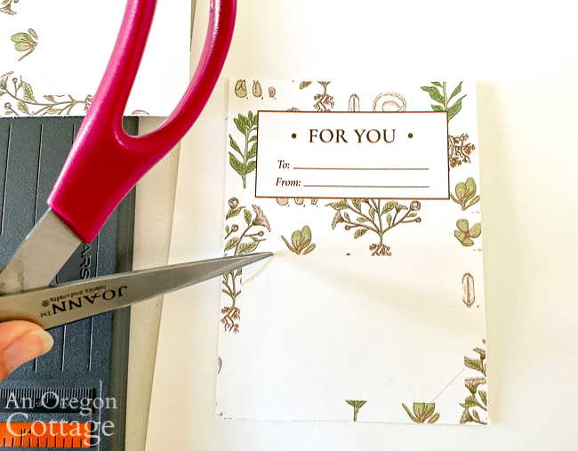 cutting slit in floral gift card holder