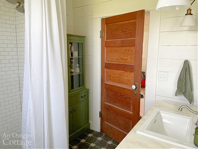 finished farmhouse bathroom
