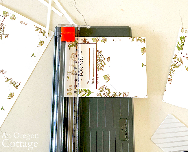 floral gift card holder in paper cutter