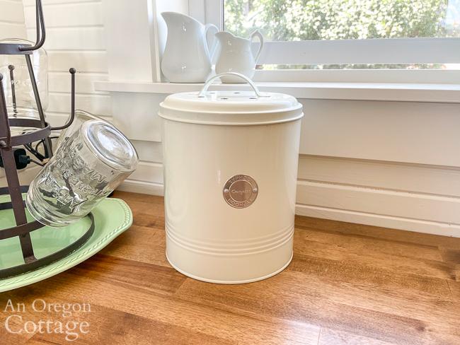 cute countertop compost bucket