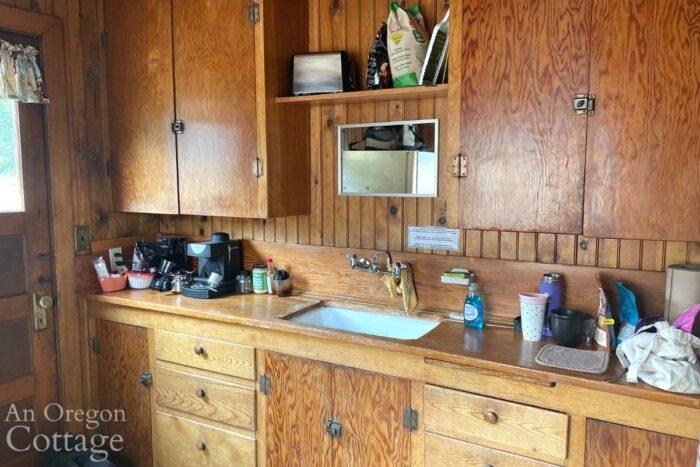 crescent lake cabin kitchen